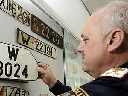 In Österreich sind noch viele Autos mit alten Kennzeichen unterwegs.