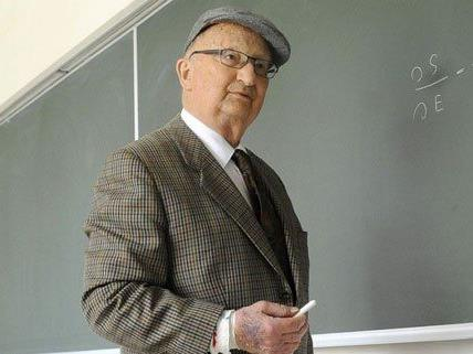 Walter Thirring starb in der Nacht auf den 19. August 2014.