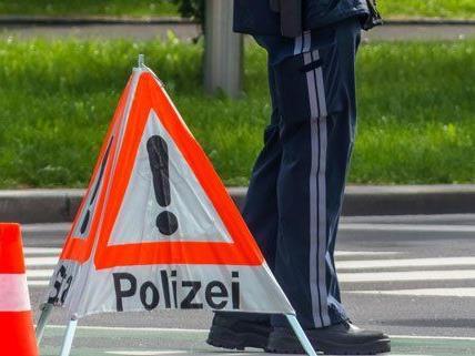 Auf der B19 ist es am Montag zu einem schweren Verkehrsunfall gekommen.