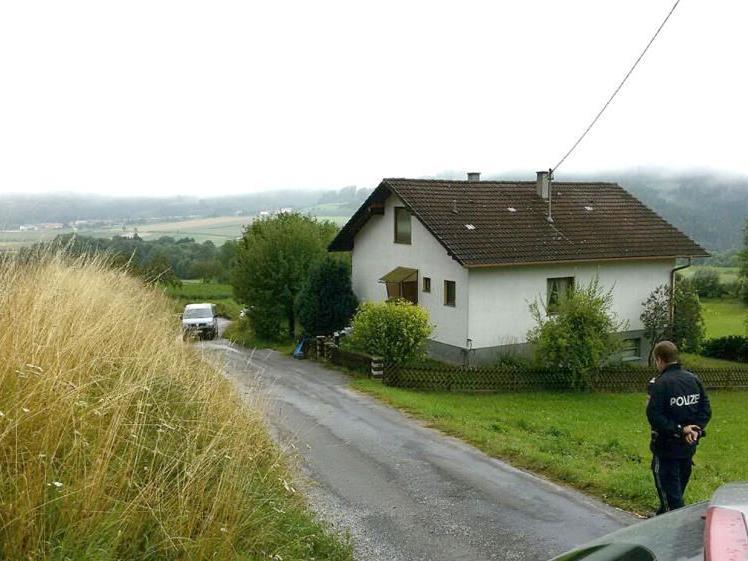 In diesem Haus in Raxendorf sind die beiden Brüder tot aufgefunden worden.
