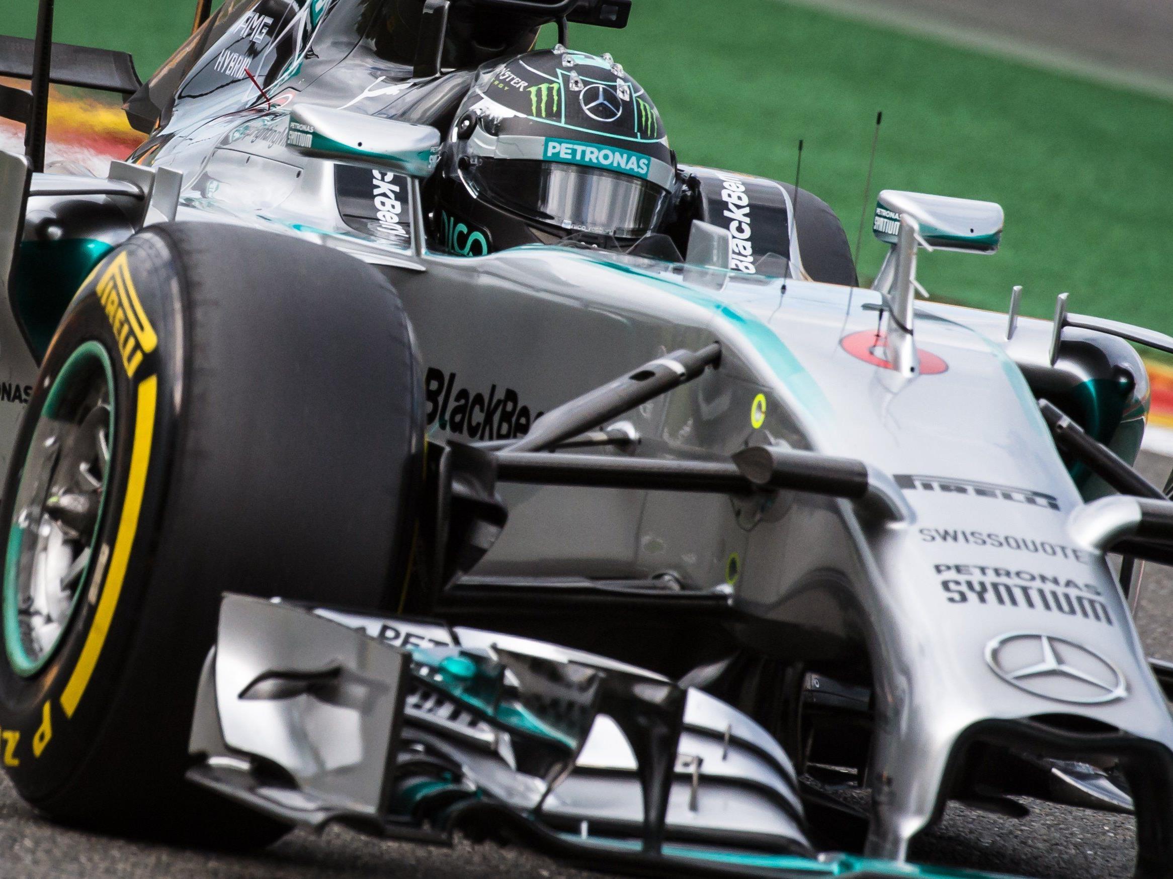 WM-Rivale und Mercedes-Teamkollege Hamilton Zweiter - Vettel mit Riesenrückstand Dritter.
