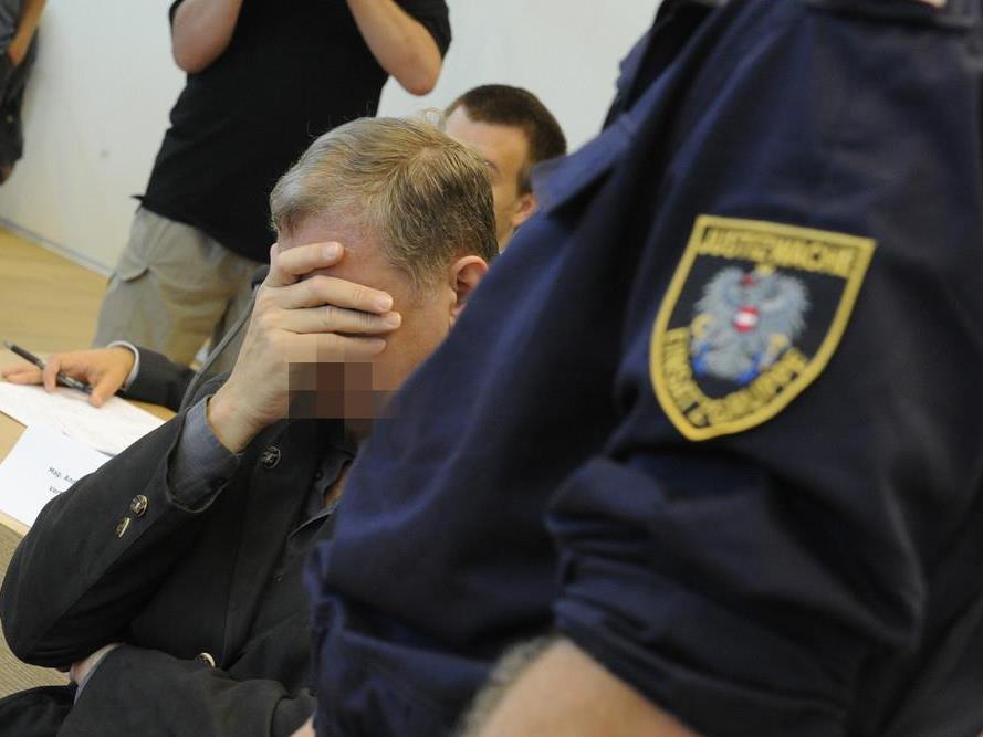 64-Jähriger wegen Mordes an Ehefrau schuldig gesprochen - 18 Jahre