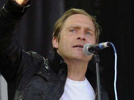 Singer-Songwriter Thees Uhlmann gibt sich am Waves Vienna die Ehre.