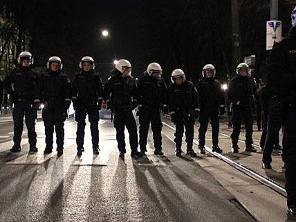 Die Stadt kauft unter anderem Schutzausrüstung für die Polizei.