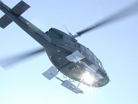 Mit dem Agusta Bell 212-Hubschrauber ging es ins AKH Wien