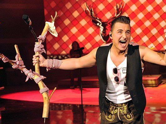 Andreas Gabalier steht bei der Aufzeichnung seiner Show «Gabalier - Die Volks-Rock'n'Roll-Show» am 30.08.2014 im Festspielhaus Füssen (Bayern) auf der Bühne