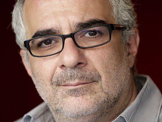 Kabarettist Michael Niavarani beim Interview