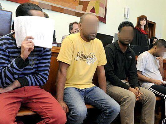 Am Montag wurde der Schlepper-Prozess in NÖ fortgesetzt.