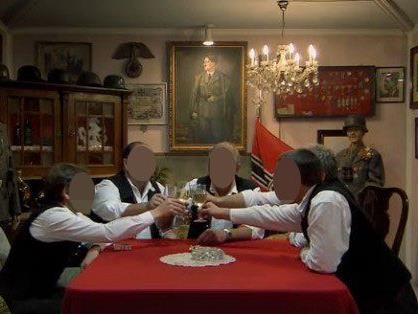 """ÖVP-Gemeinderäte feiern in Seidls """"Nazikeller"""" - Staatsanwaltschaft ermittelt."""
