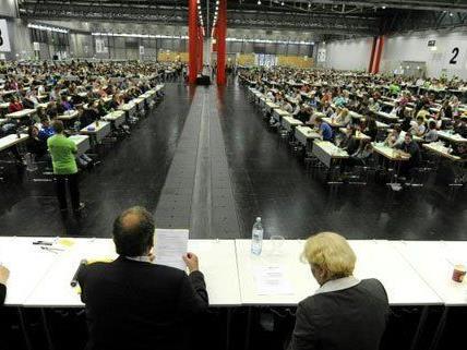 Rund 2.000 Prüflinge nahmen am Aufnahmetest in Wien teil.