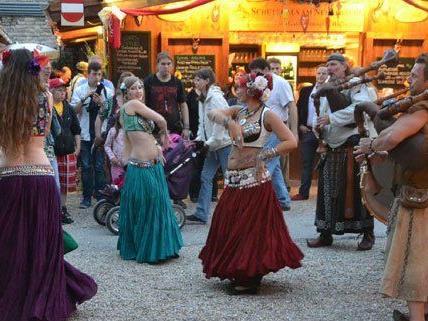 VIENNA.at-Leserreporter war beim historischen Fest in Simmering