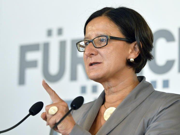 Die Innenministerin will hart gegen Jihadisten in Österreich vorgehen.