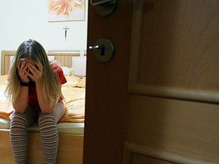 Ein Mann in NÖ soll seine eigenen Kinder missbraucht haben.