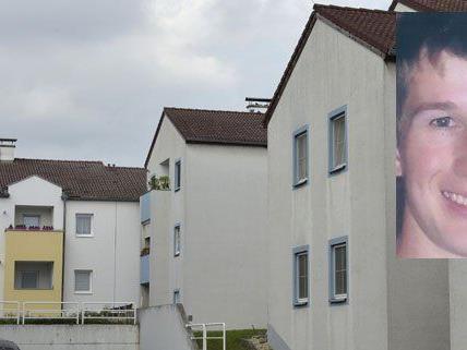 Tatort Strasshof: 22-Jähriger wird nach gewaltsamem Tod der Mutter gesucht