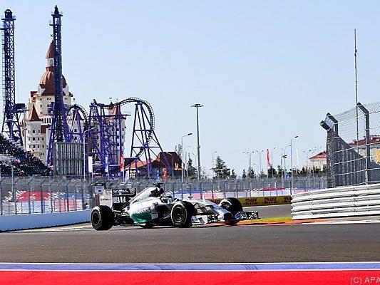 Hamilton lehrt Rosberg das Fürchten