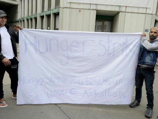 Asyl - Hungerstreik beendet, nach Thalham verlegt