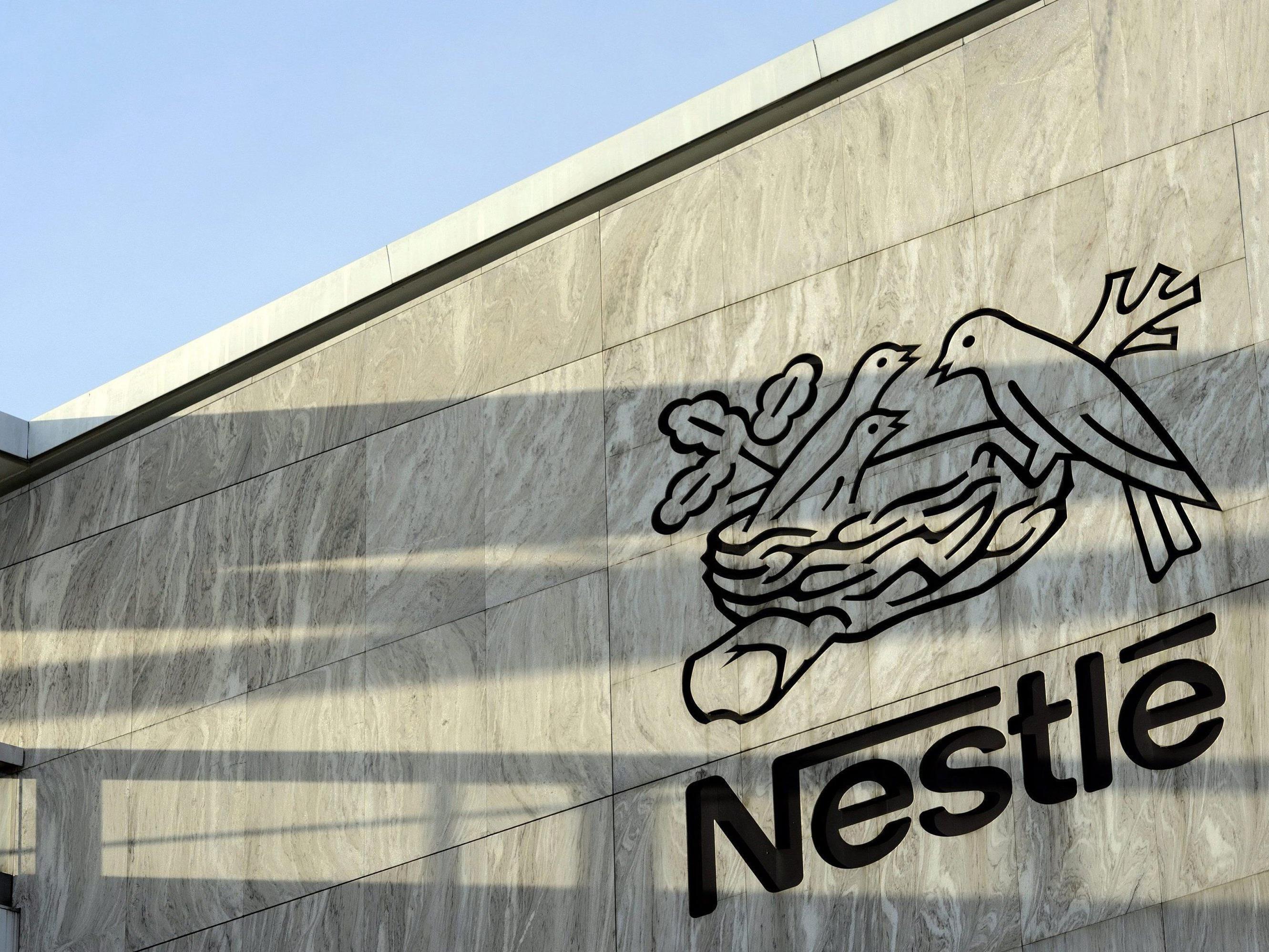 """Nestlé wurde von Foodwatch mit dem """"Goldenen Windbeutel 2014"""" ausgezeichnet."""