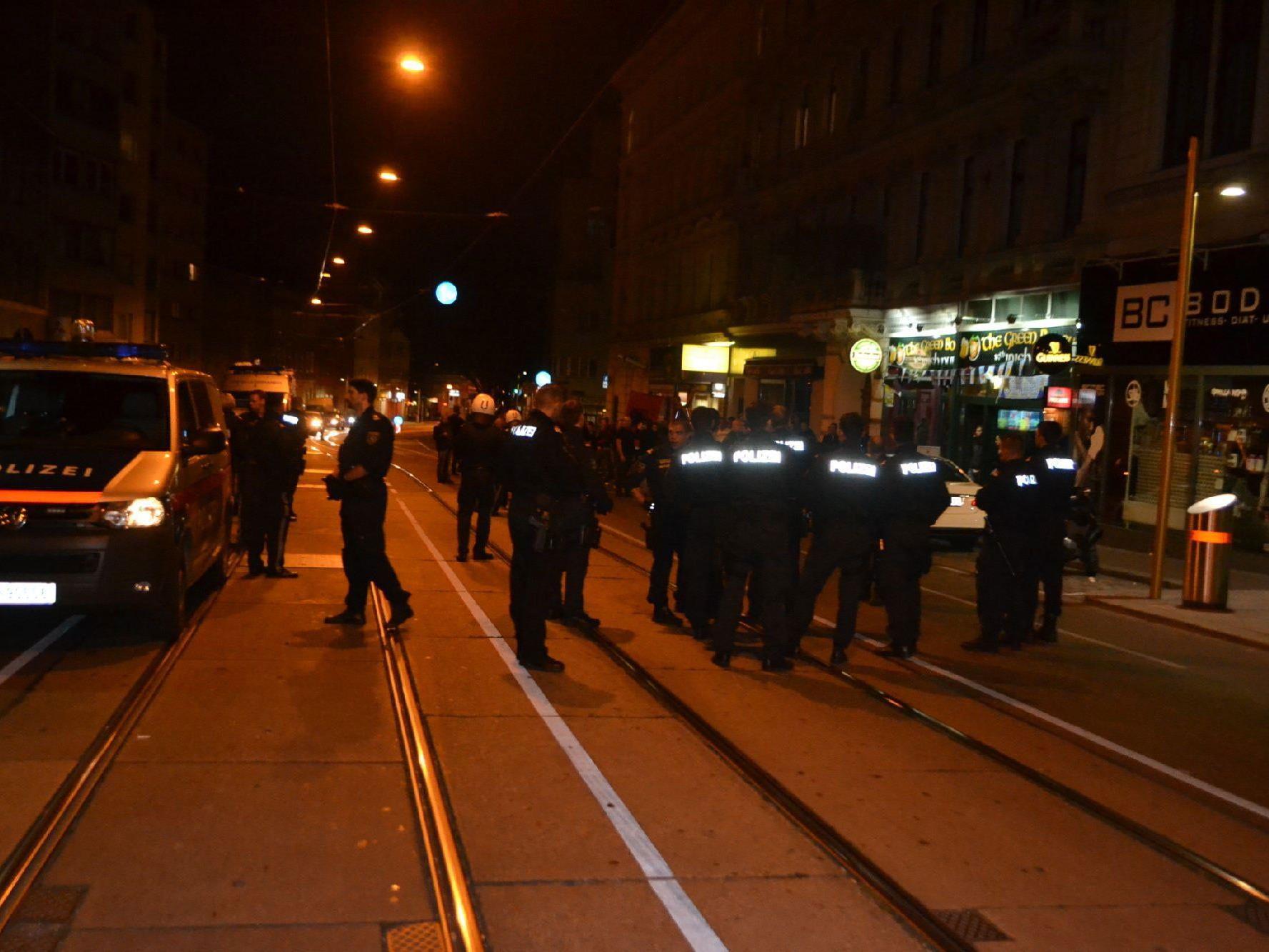Wien-Ottakring: Polizeigroßeinsatz nach Zusammenstößen in Belgrad