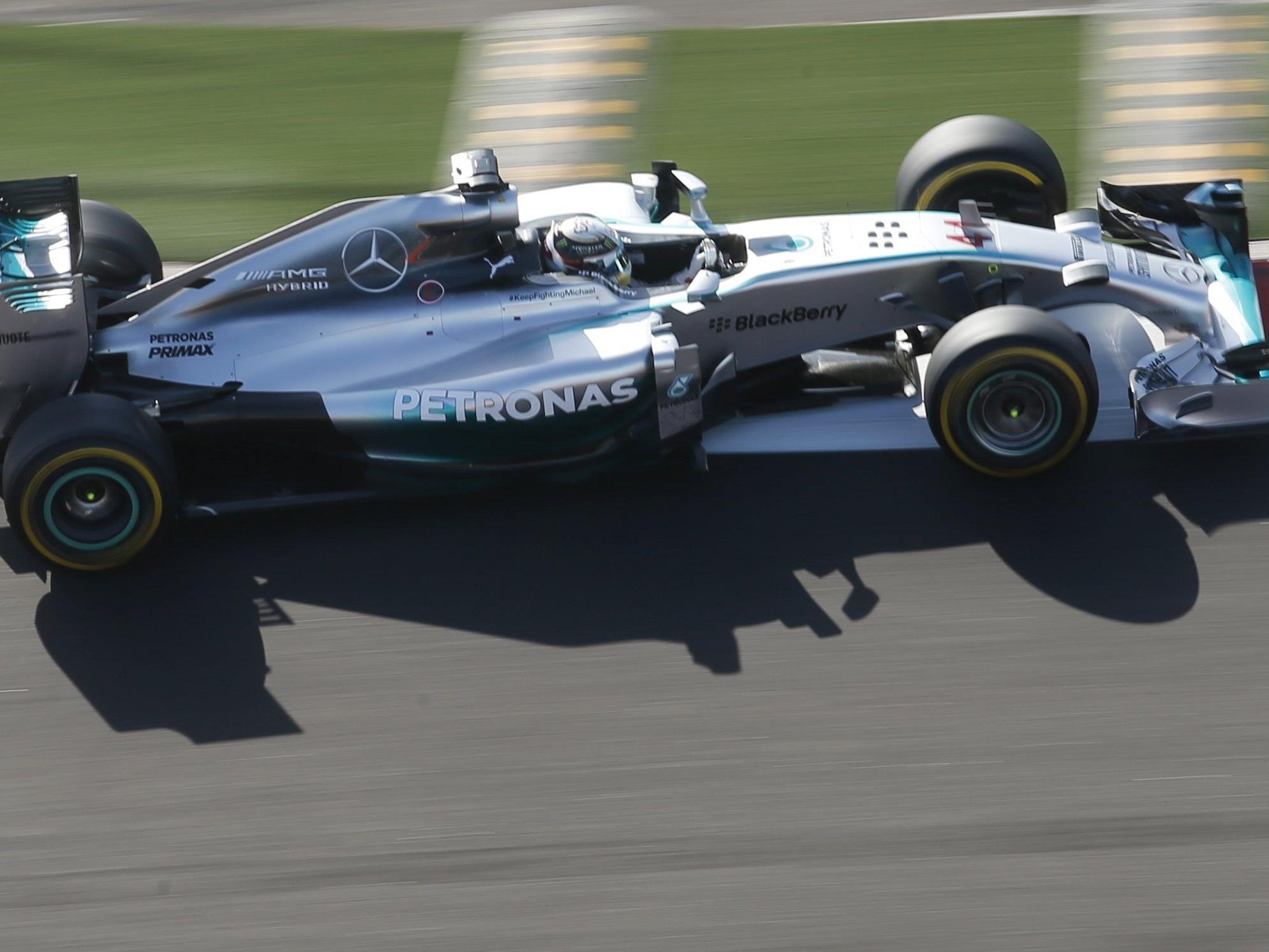 Hamilton baute Vorsprung auf WM-Rivalen Rosberg mit viertem Sieg in Serie auf 17 Punkte aus.