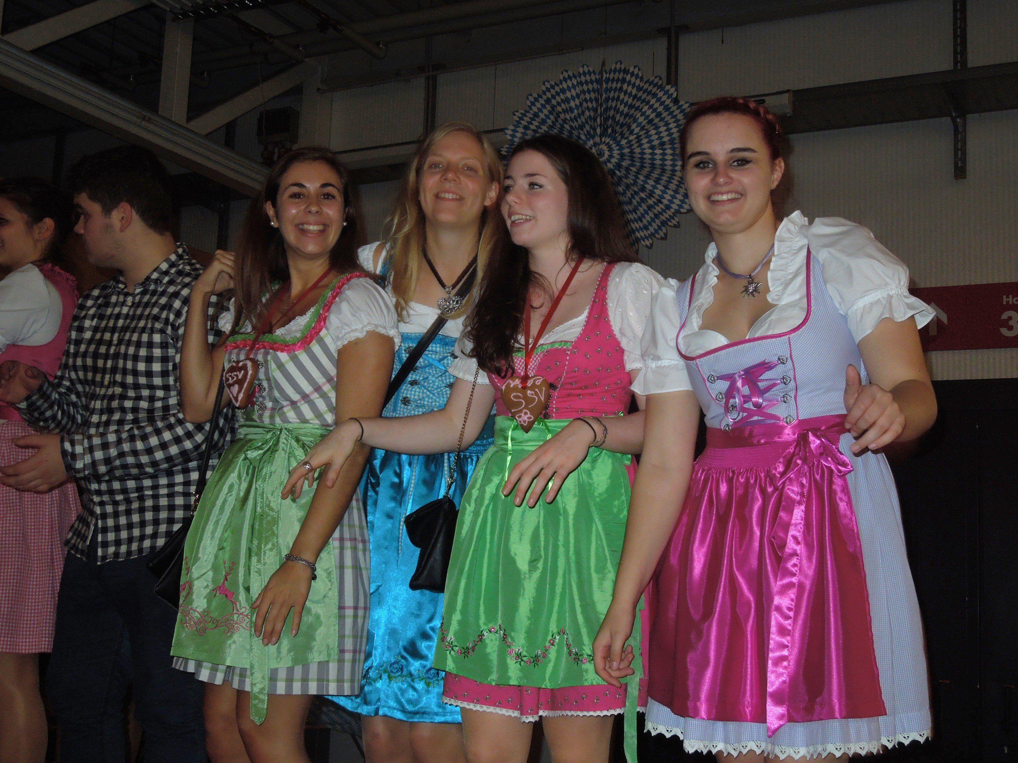 Beim zweiten Oktoberfest des SSV Schoren herrschte auch dank des vorangegangenen Heimsiegs ausgelassene Stimmung.