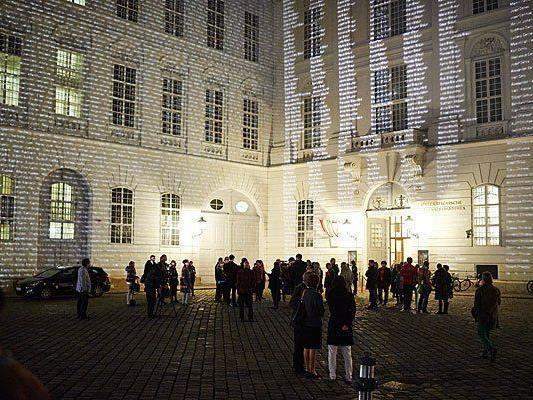 Naming Memorial Projektionen in Wien: Konzept Karen Frostig, Künstlerische Umsetzung Elisabeth Wildling