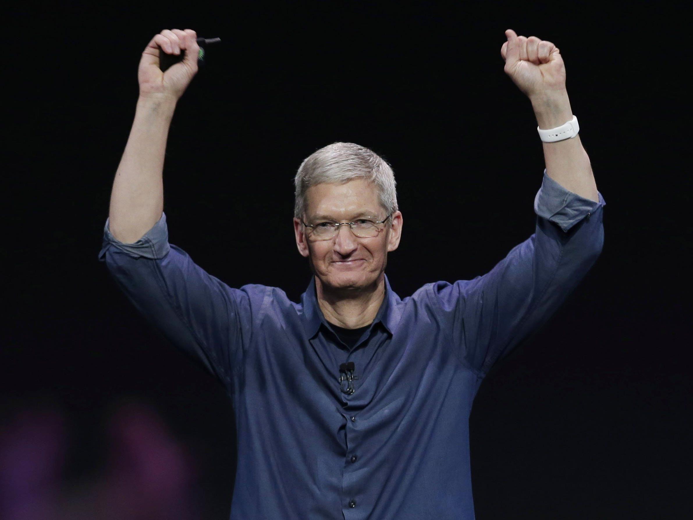 Apple-Chef Tim Cook bekennt sich in einem Beitrag zu seiner Homosexualität.