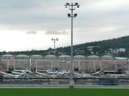Das Gerhard Hanappi Stadion verschwindet langsam aber sicher.