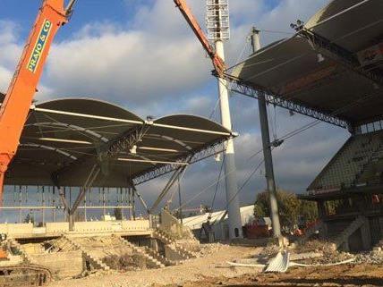 Das Gerhard Hanappi Stadion wird Stück für Stück entfernt.
