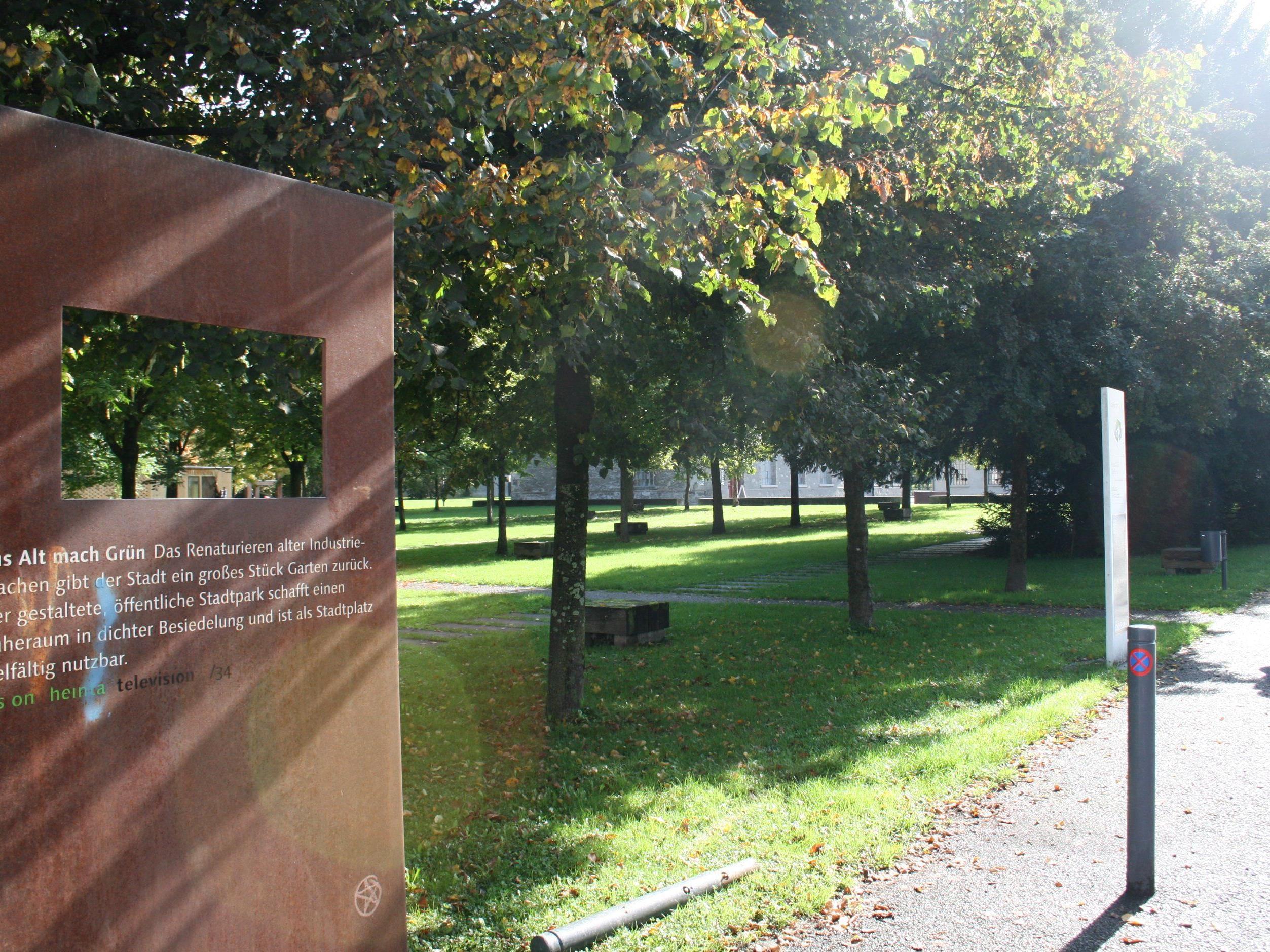 Nur wenige 100 Meter vom Stadtzentrum entfernt liegt als grüne Insel der Stadtgarten.