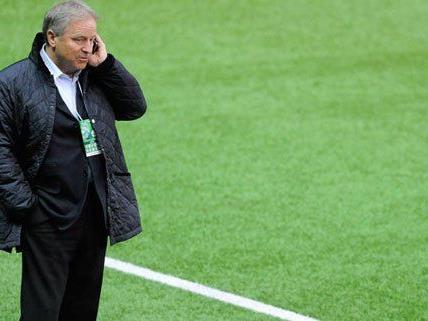 ÖFB Präsident Leo Windtner wünscht sich ein moderneres Fußball Zentrum.