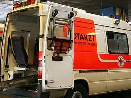 Von der Rettung wurde die Verletzte ins Spital gebracht.