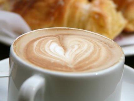 Eine Umfrage zeigt: Die meisten Österreicher lieben Kaffee.