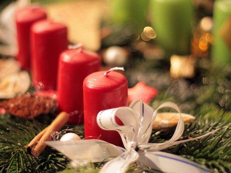 Auch Weihnachtsschmuck wird von den Insassen gefertigt.