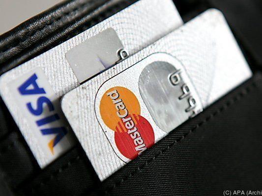 Große Kreditkartenunternehmen halfen mit