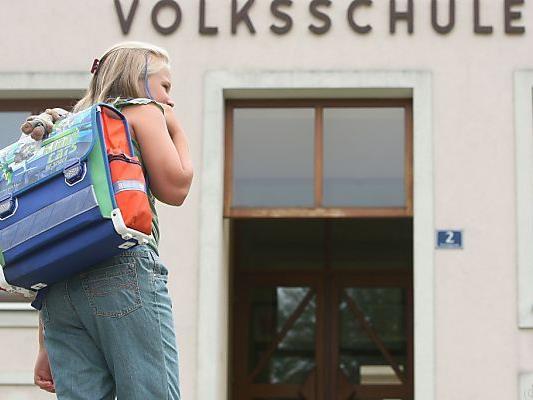 Geld für Schulstartpakete für Bedürftige
