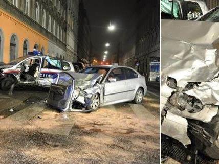 Betrunkener rammte Polizeiauto in Wien - Drei Schwerverletzte