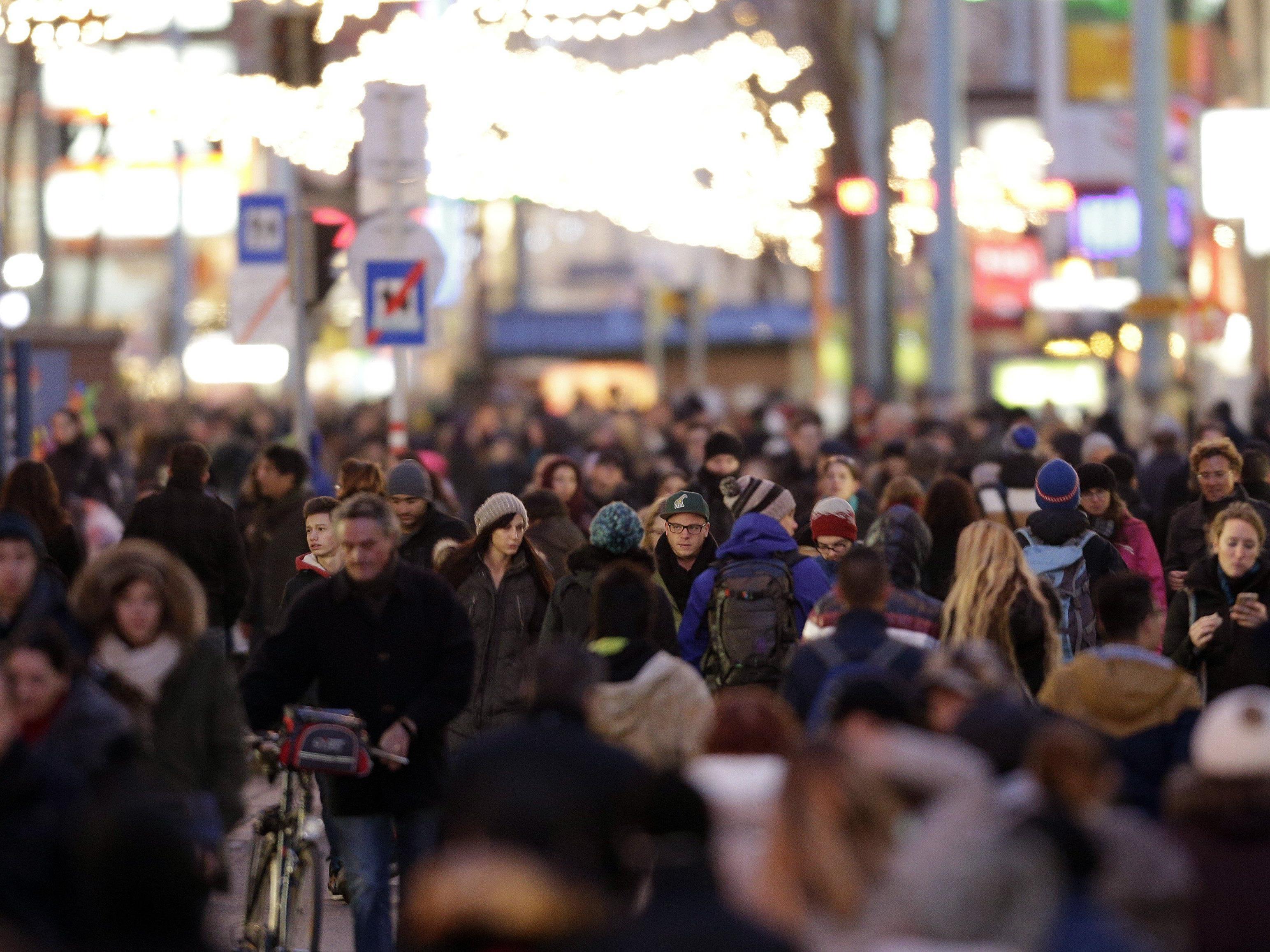 1. Einkaufssamstag: Mariahilfer Straße wurde zur echten Fußgängerzone