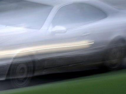 """Mit dem Auto wollte der Mann zur """"Jobsuche"""" davonbrausen."""