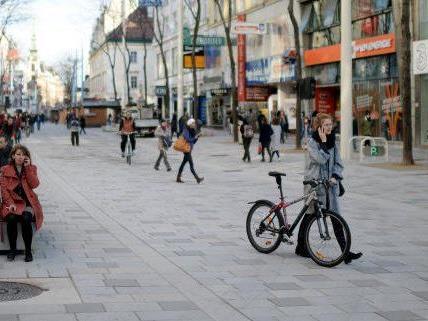 Die Fußgängerzone auf der Mahü ist fertiggestellt.