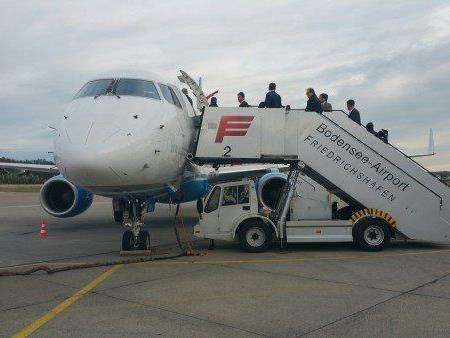 Die Peoples-Maschine musste nach Friedrichshafen ausweichen.