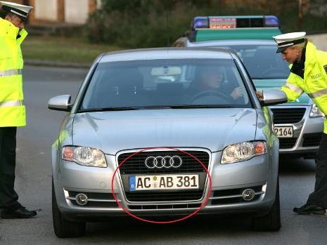 """""""ACAB"""" steht für """"All Cops Are Bastards""""."""
