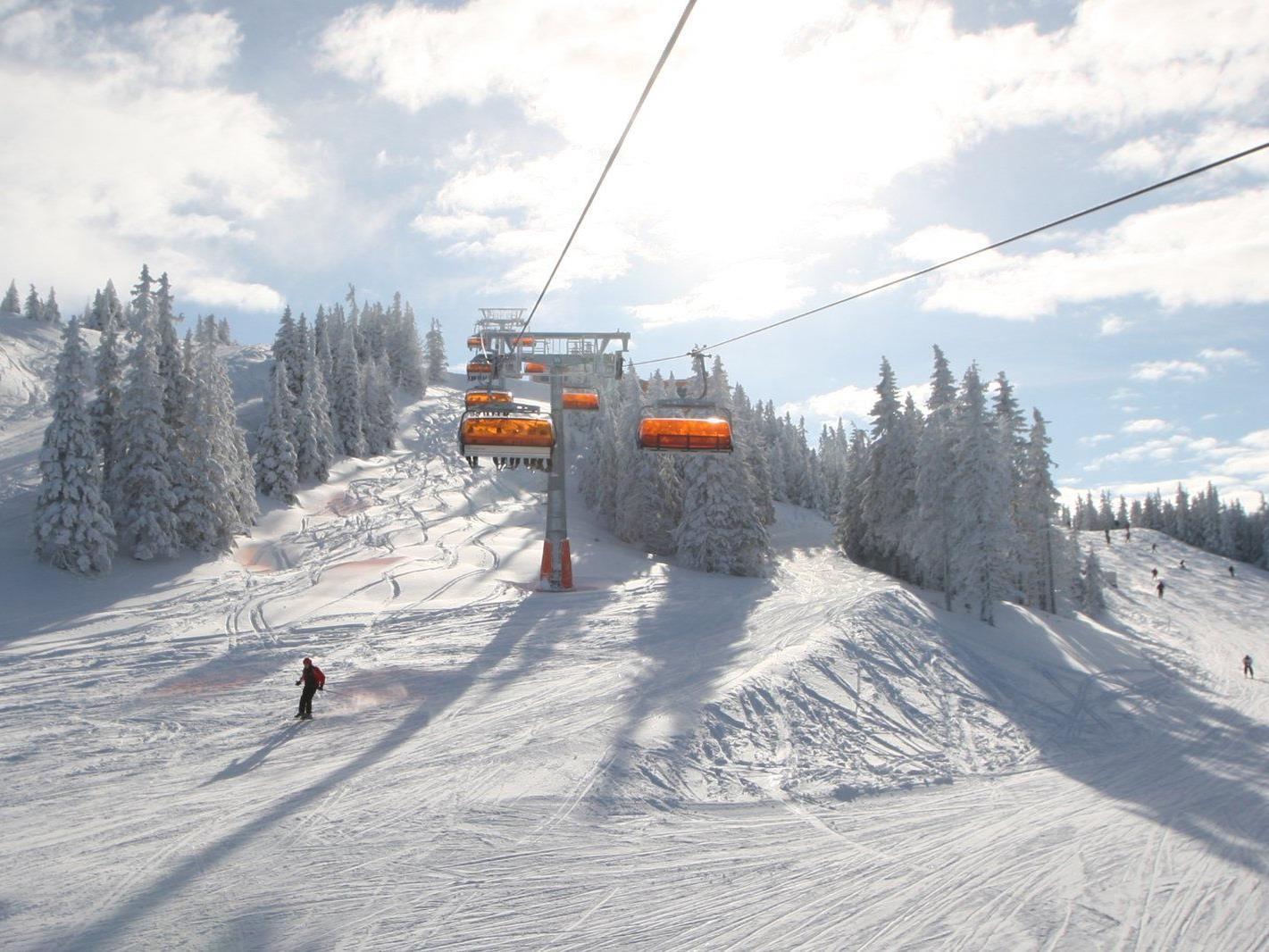 Wir verlosen 5x2 Tagespässe für das Skigebiet Stuhleck.