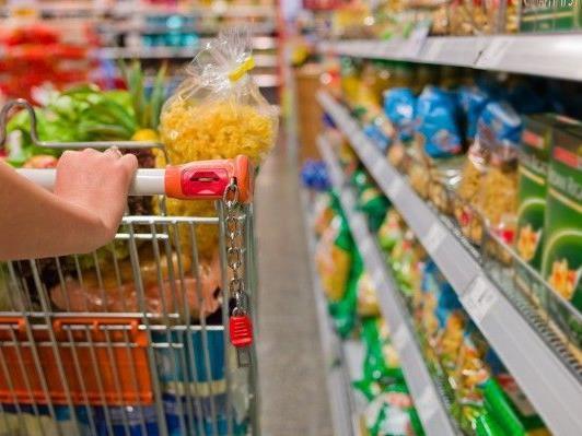 Wer wenig Geld zum ausgeben hat, den trifft die Inflation stärker.