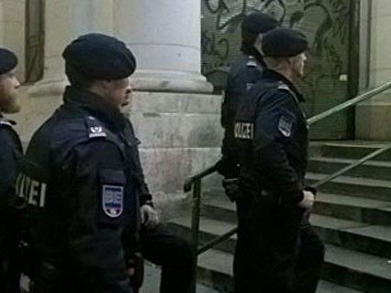 Großrazzia gegen mutmaßliche Jihadisten in Wien, Graz und Linz