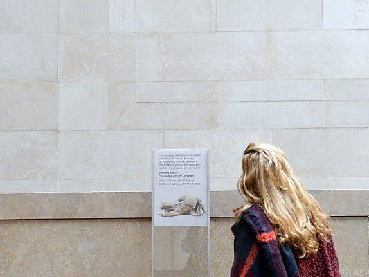 Skulptur des Flussgottes Ilissos bereits unterwegs