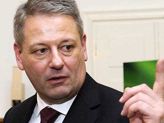 Minister hofft auf Aufstockung u.a. durch Länder
