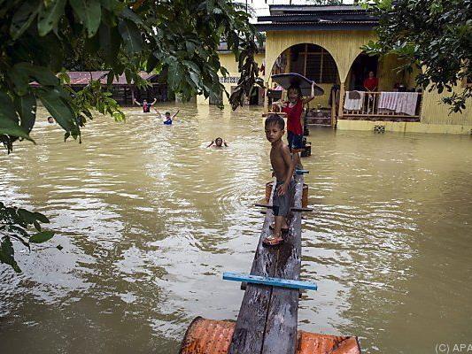 Hunderttausende von Überflutungen betroffen