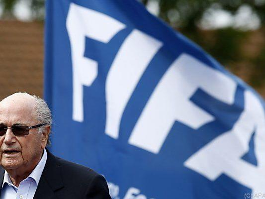 Blatters Konto nun offenes Buch