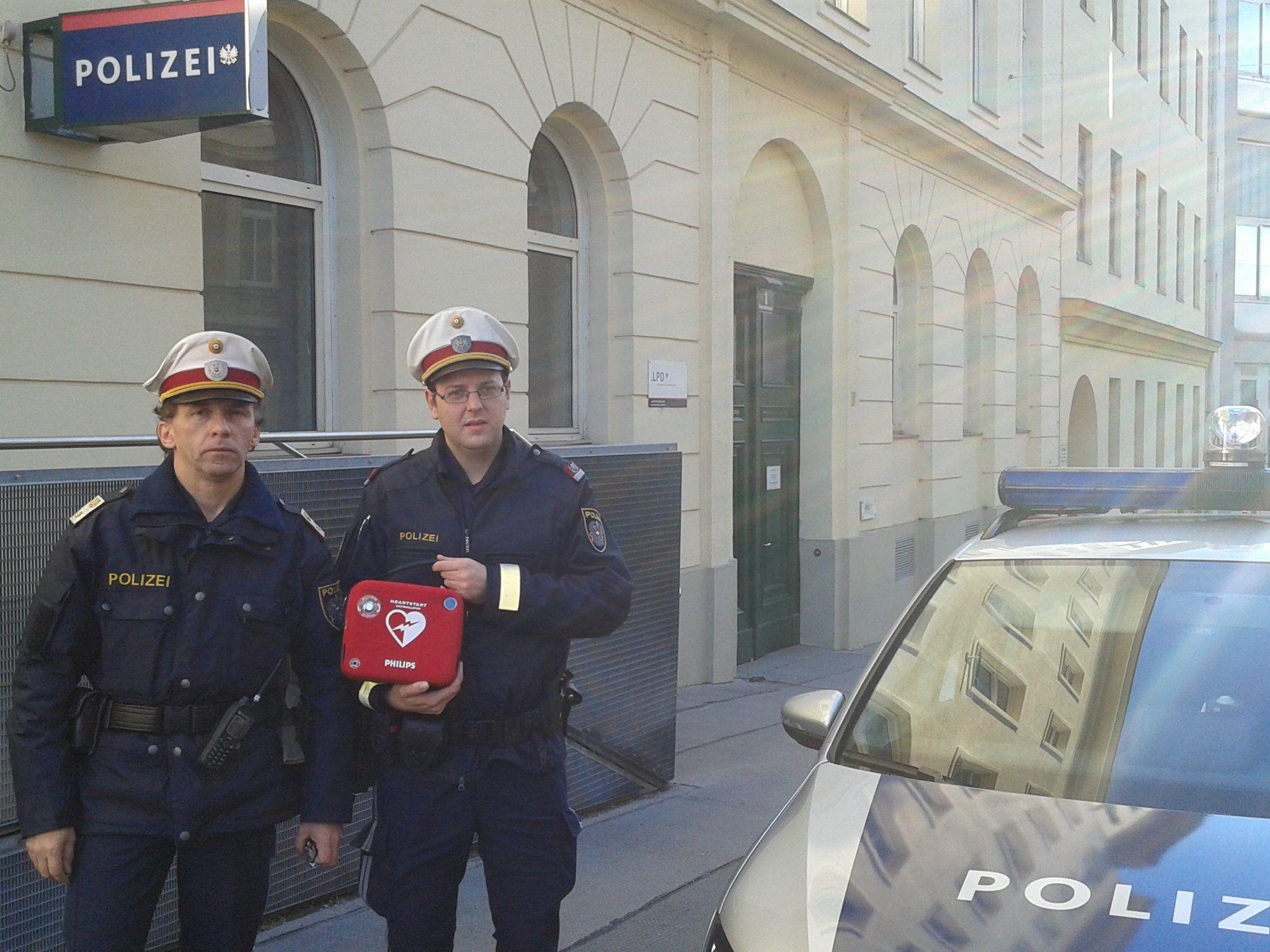 Zwei Polizisten wurden am Dienstag zu Lebensrettern.