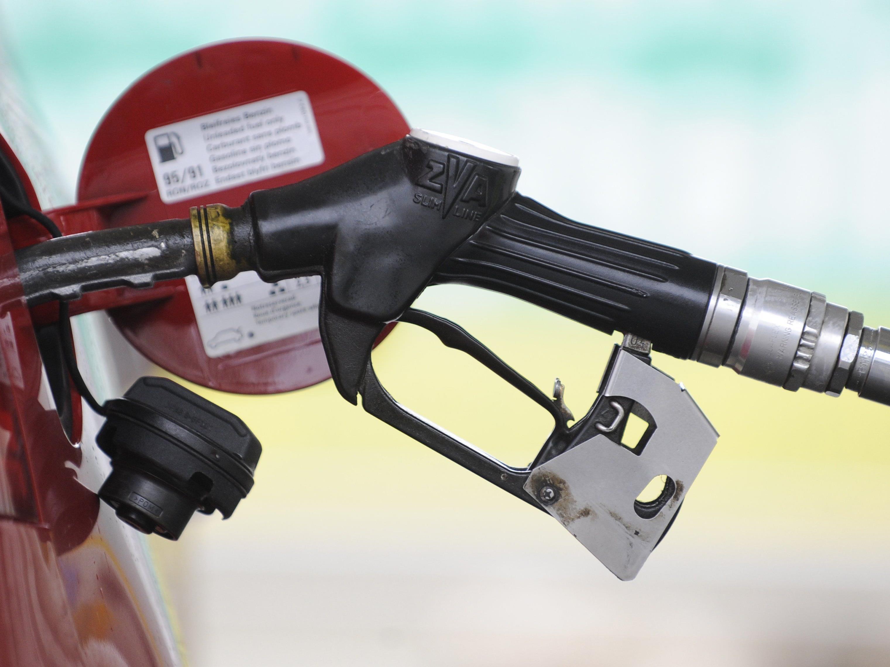 Die Preise für Benzin und Diesel sollen auch vor Weihnachten noch sinken.